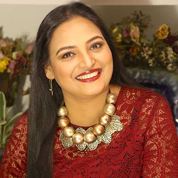 Opera and Sufi Singer Saira Peter